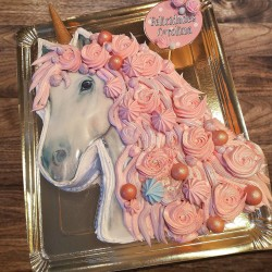 Tarta con forma de Unicornio