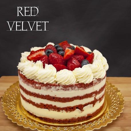 Red velvet adornado con fruta