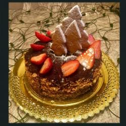 Tarta de navidad de fresas con nata